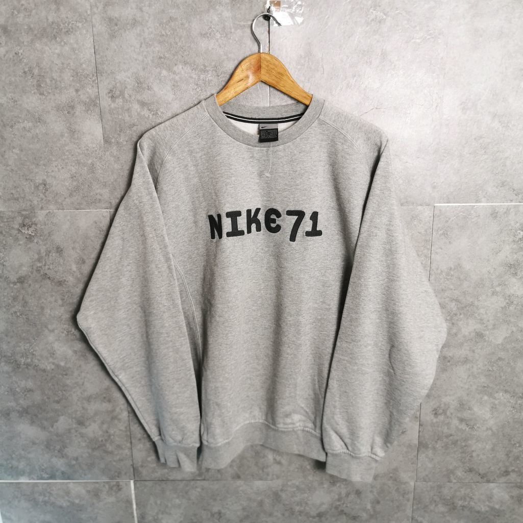 nike 71 grauer vintage sweater mit gestickten logo neu