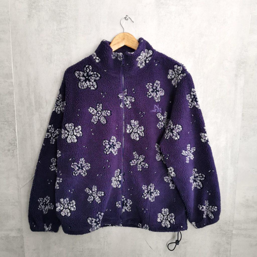 dicke fleecjacke mit Reißverschluß lila und mit hellen Blumen Northern Reflection Thermo fleece