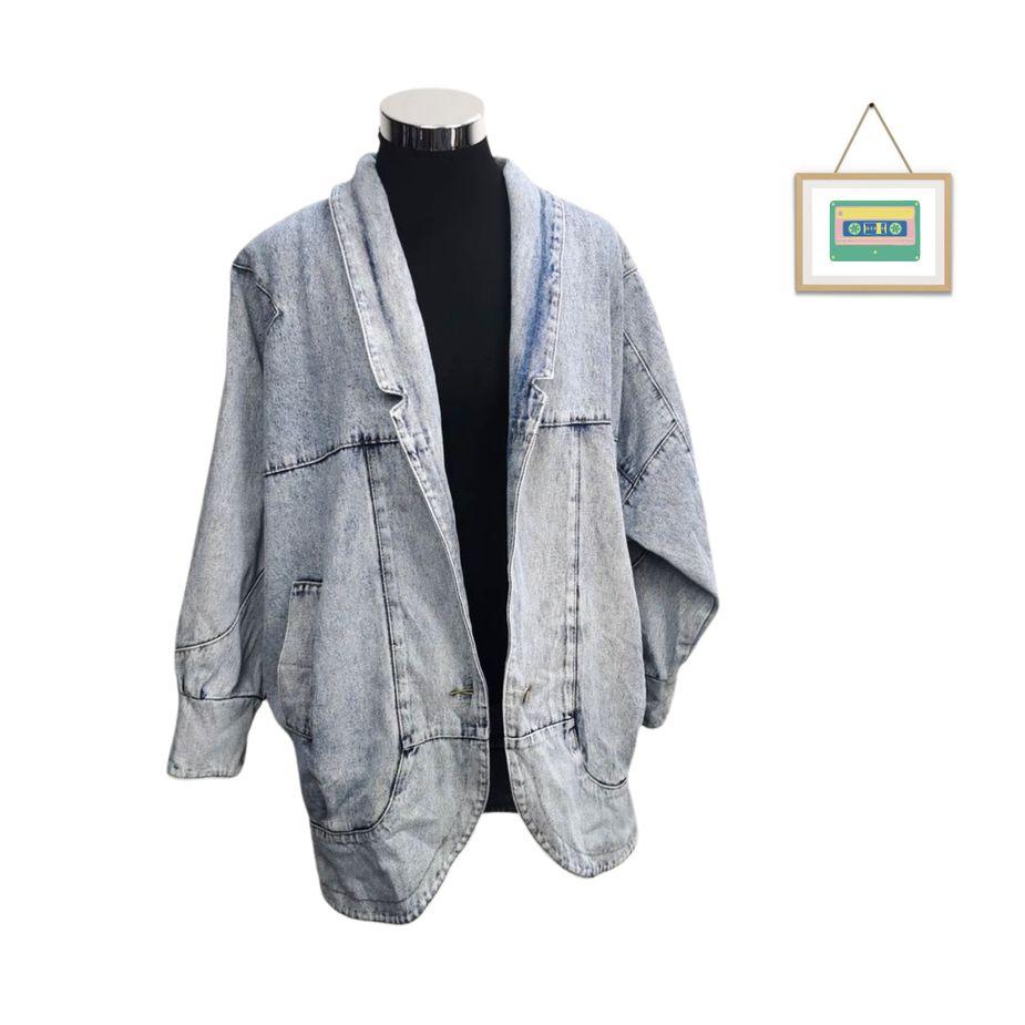 80er-frauen-vintage-blazer-überdimensional-stone-washed-denim vintage-jacke-seitenansicht