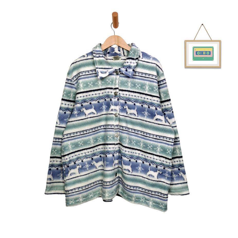 80s-kleidung-uebergroßes-vintage-fleece-hemd-crazy-pattern-winter-kleidung-front