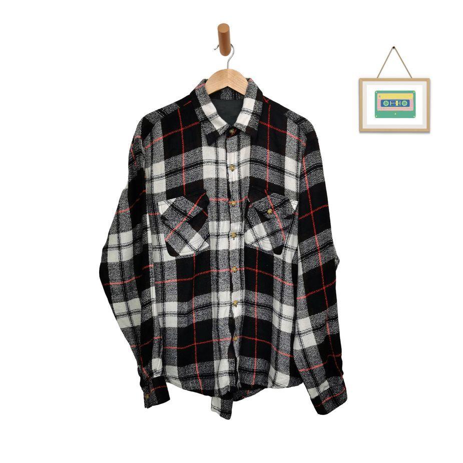 vintage-karohemd-herren-groesse-xl-langer-arm-schwarz-weiß-rot-kariert-front